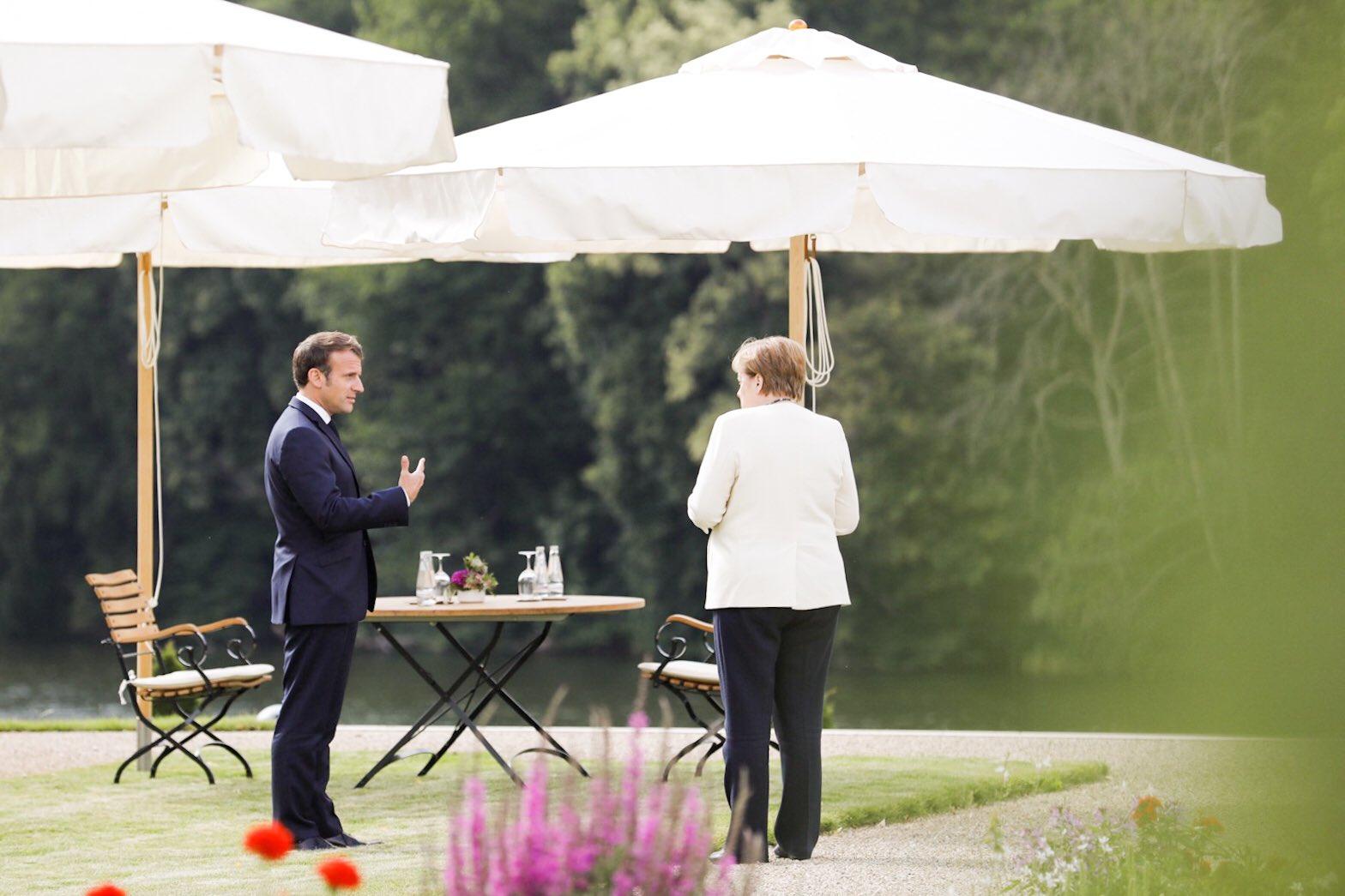Avec la Chancelière Angela Merkel à Meseberg en Allemagne.