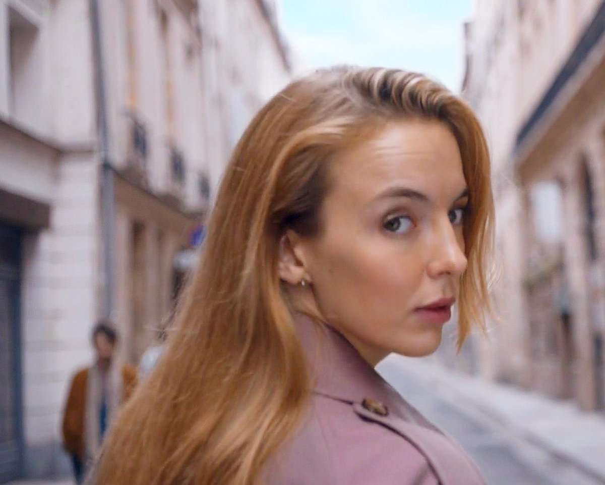 Part of the escapism in Killing Eve is Villanelle's sexuality. She's so unapologetic and unashamed. You think she's ever had to Come Out™?Hell no. She just exists, with such freedom, not catering to anyone. Watching her live that life is a small taste of catharsis for us all.  <br>http://pic.twitter.com/f8PZqezJwM