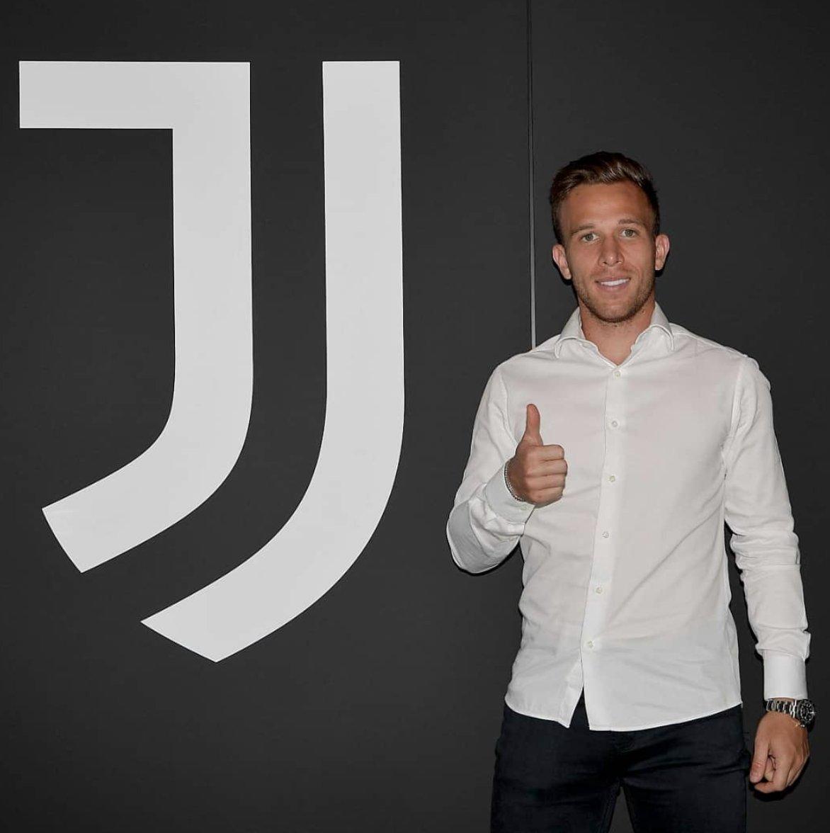El nuevo mediocampista de la Juventus. ARTHUR.