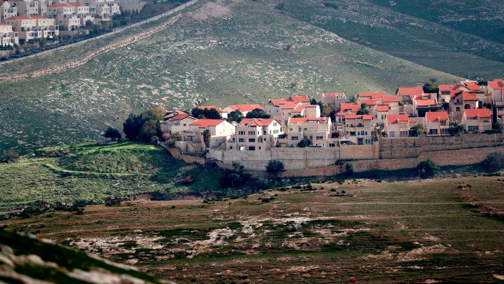 Over 100 legal heavyweights sign letter opposing Israeli annexation plans https://t.co/umW4OPyJrc https://t.co/XwnI27GLzH