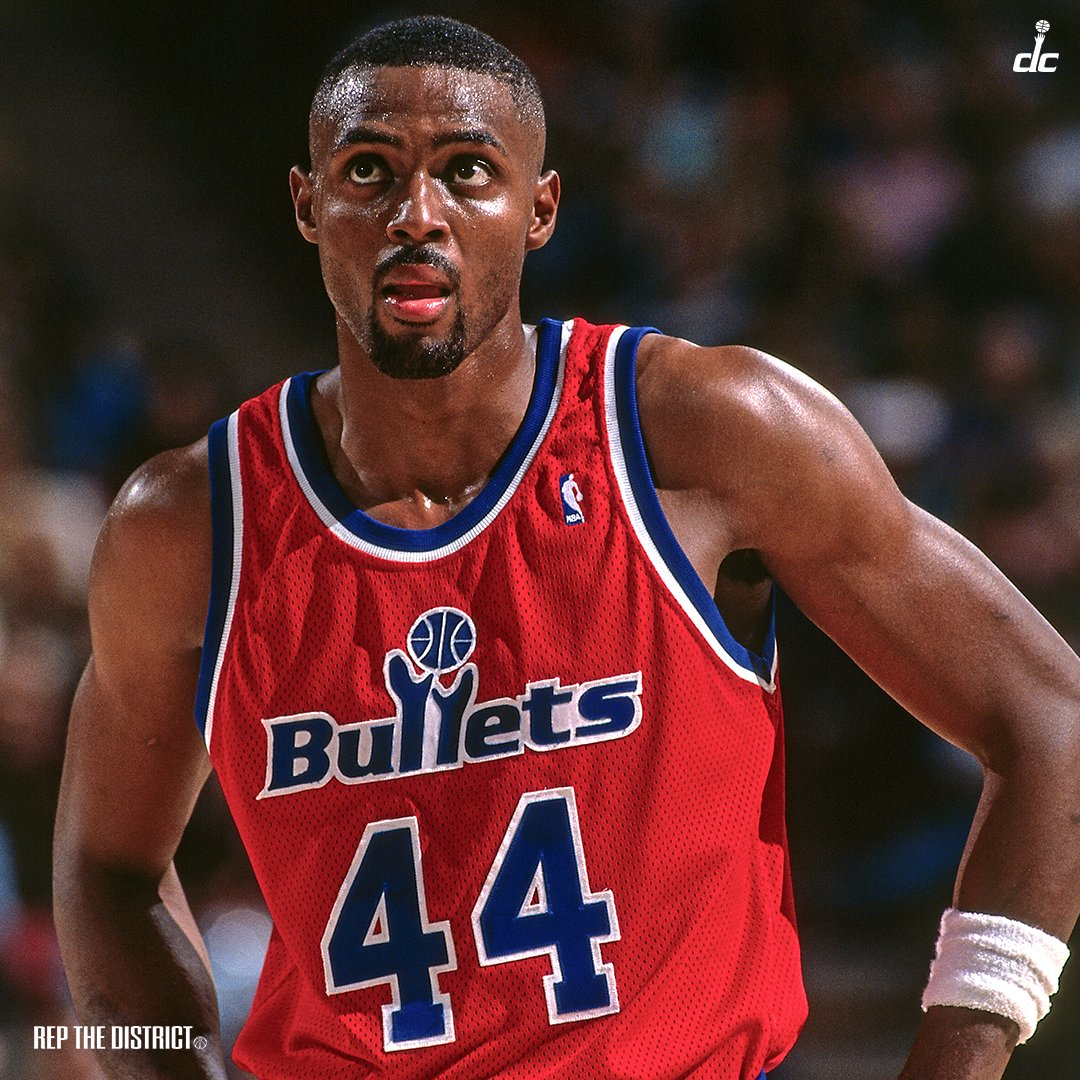 Happy birthday to former Bullets forward, Harvey Grant! 🎂🎊  #RepTheDistrict https://t.co/9e4xpTWRum