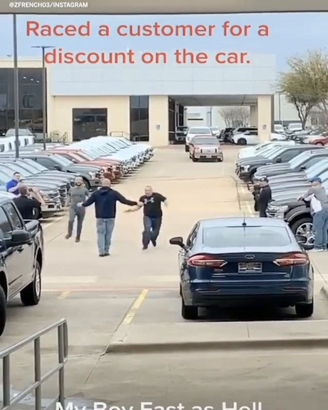 This car salesman races customers for a discount on cars 😂   (via zfrench03/Instagram) https://t.co/4OKnYQf8KJ