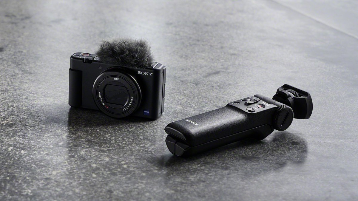 Advanced tech. Simple design. (Learn more about the #SonyZV 1 compact camera: https://t.co/34MGUtBc9K) #NationalCameraDay https://t.co/IQj7iY5wIq
