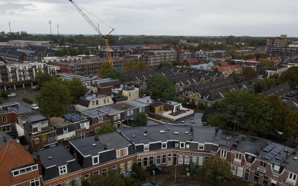 Gemeente Leeuwarden verlengt cameratoezicht in Vlietzone: Het cameratoezicht in de Vlietzone in Leeuwarden gaat door in de zomermaanden.