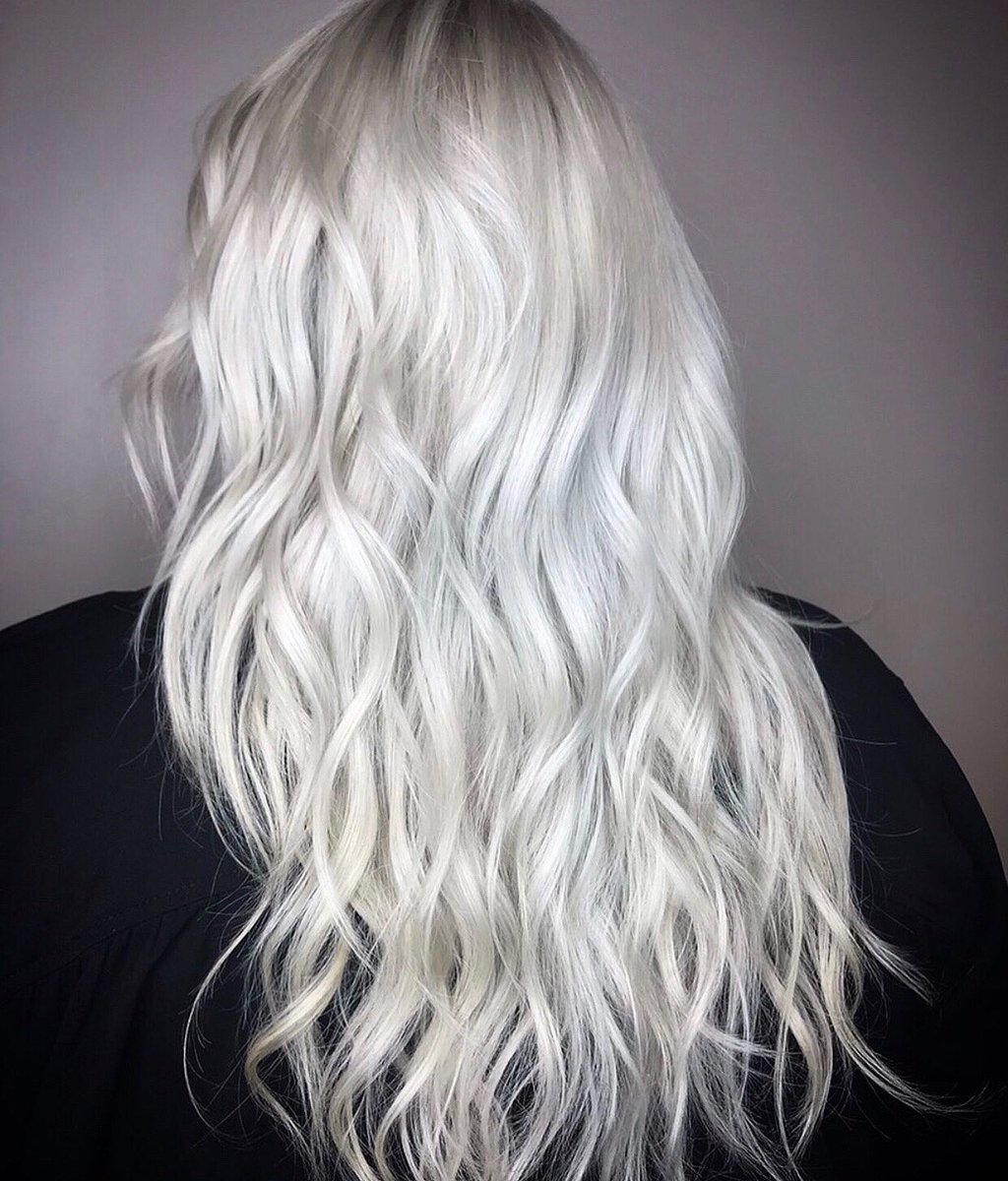 If this hair were an album, it would go PLATINUM : @ bevshouse (IG) . . . #platinumhair #gooddyeyoung pic.twitter.com/HAVuCRSwuo