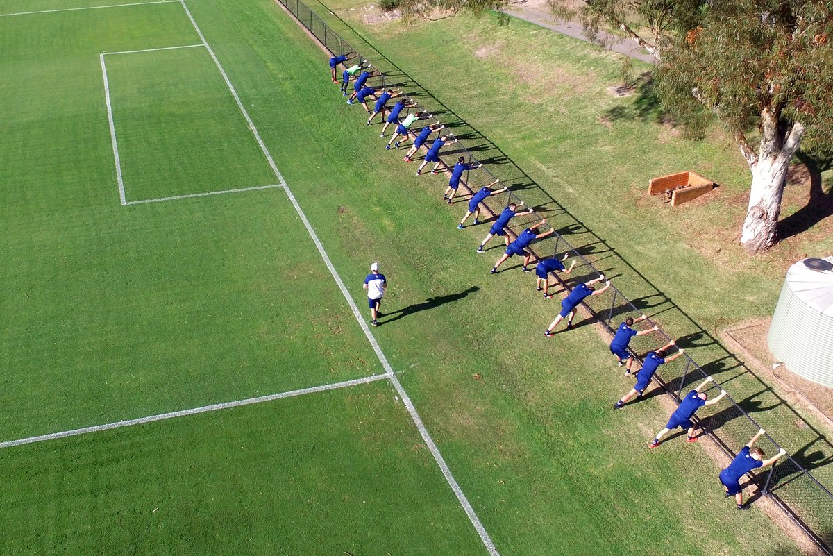 Stretching out on a Tuesday 🤸♂️ #MadeOfNewcastle https://t.co/S2PsFFei8D