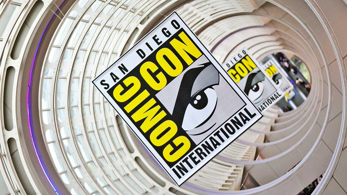 """La @Comic_Con de San Diego se llevará a cabo de forma virtual y gratuita #TheNewNormal.  """"Por primera vez en nuestros 50 años de historia, estamos felices de darle la bienvenida a prácticamente cualquier persona de todo el mundo"""".  https://t.co/kt7eDgqB2b https://t.co/BUsS5lq9zl"""