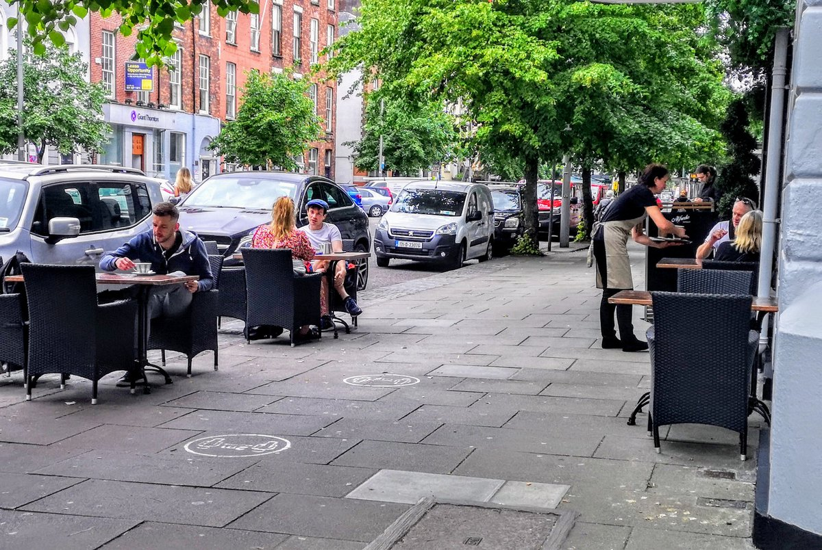 STREET PHOTOGRAPHY CORK PHOTO COPYRIGHT BILLY macGill 29 /06 /20. Separate Tables outside the Imperial Hotel on the South Mall Cork as commercial life returns to the City centre. #streetphotography #photographyislife #photographyeveryday #photooftheday #cork #cba #Corkhistorypic.twitter.com/TZlwPuEzjj