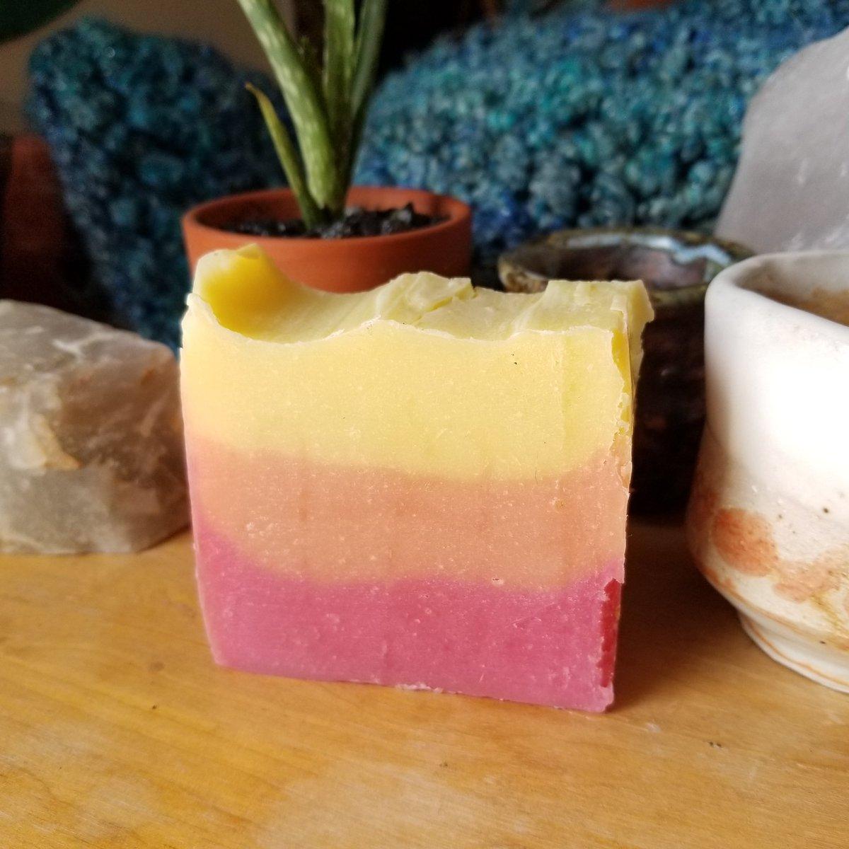 Phoenix Luxury Soap #luxury #handmade #soappic.twitter.com/Pcpr2mSFgE