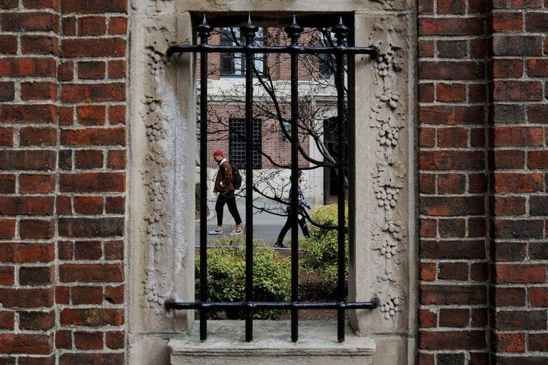 Harvard drops single-sex club ban after lawsuit by fraternities, sororities https://t.co/CivLwF5em6 https://t.co/FIEwmwf1hV