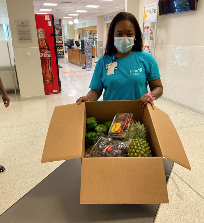Through our partnership with @PROACTUSA and others we have delivered fresh produce to our #HealthcareHeroes at @NOEHospital in New Orleans! We're so thankful for all that they do to keep their community healthy. #ProducePartners https://t.co/M5H8Xoiad1