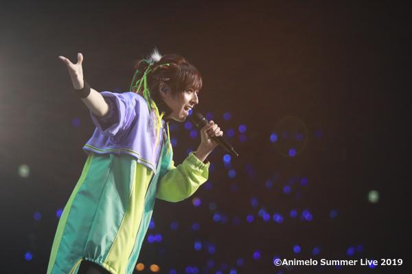【アニサマ2019 LIVEカラオケ】蒼井翔太「Tone」のライブ映像が配信中!ポップなメロディとハイトーンな歌声がキラキラ跳ねる、青春をテーマにした楽曲が、鮮やかなパフォーマンスとともに披露されました!全力で奏でるしょーたんの音楽に「この音とまれ!」@anisama #anisama @shouta0811aoi
