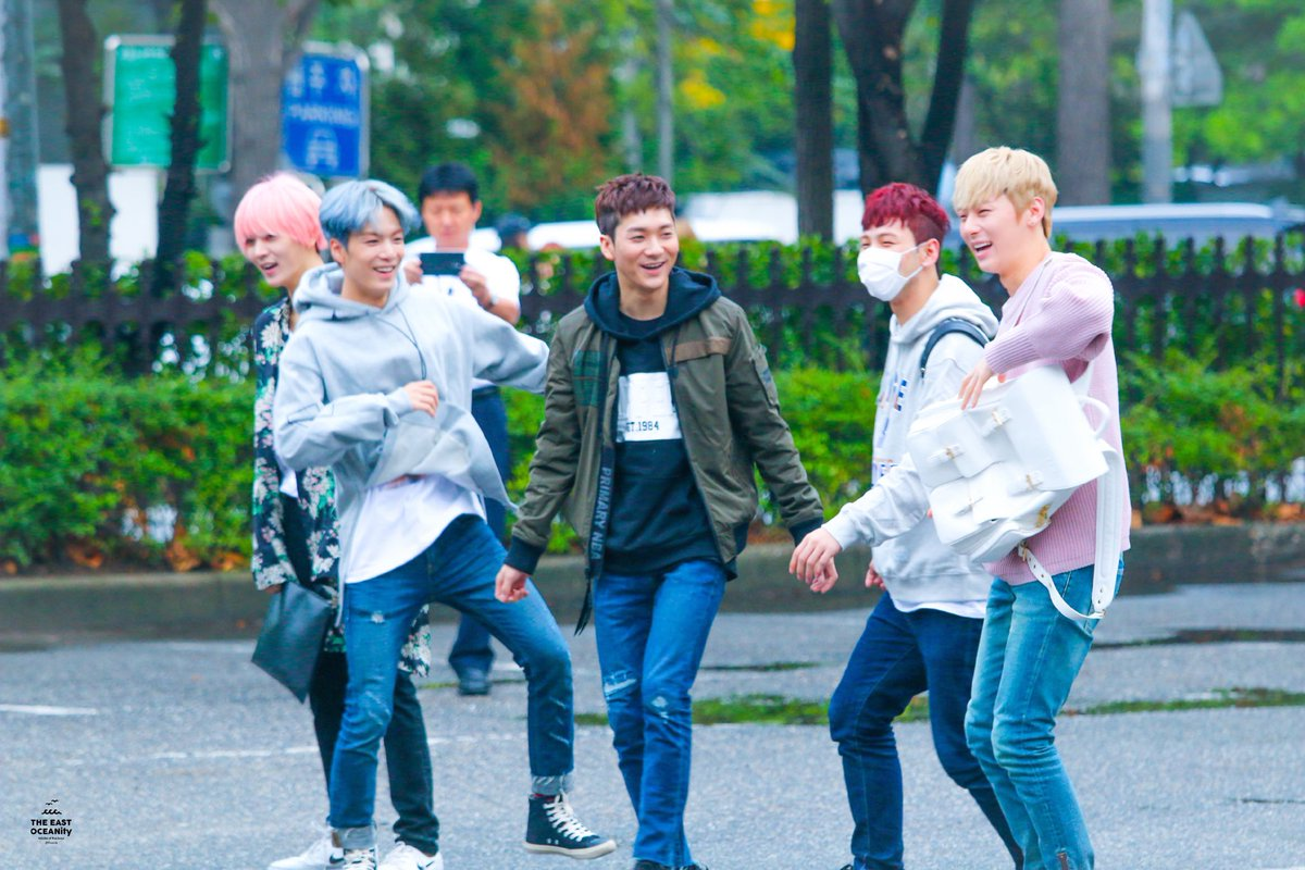this is the best nuest photo to ever exist <br>http://pic.twitter.com/HPDqhODUvs