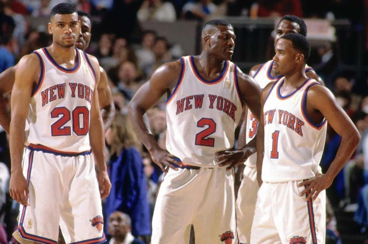SG Allan Houston, F Larry Johnson and PG Chris Childs on the court at Madison Square Garden for the 1996-97 New York Knicks. #NBA #Knicks #MSG #90s pic.twitter.com/3TqNbYrSkQ