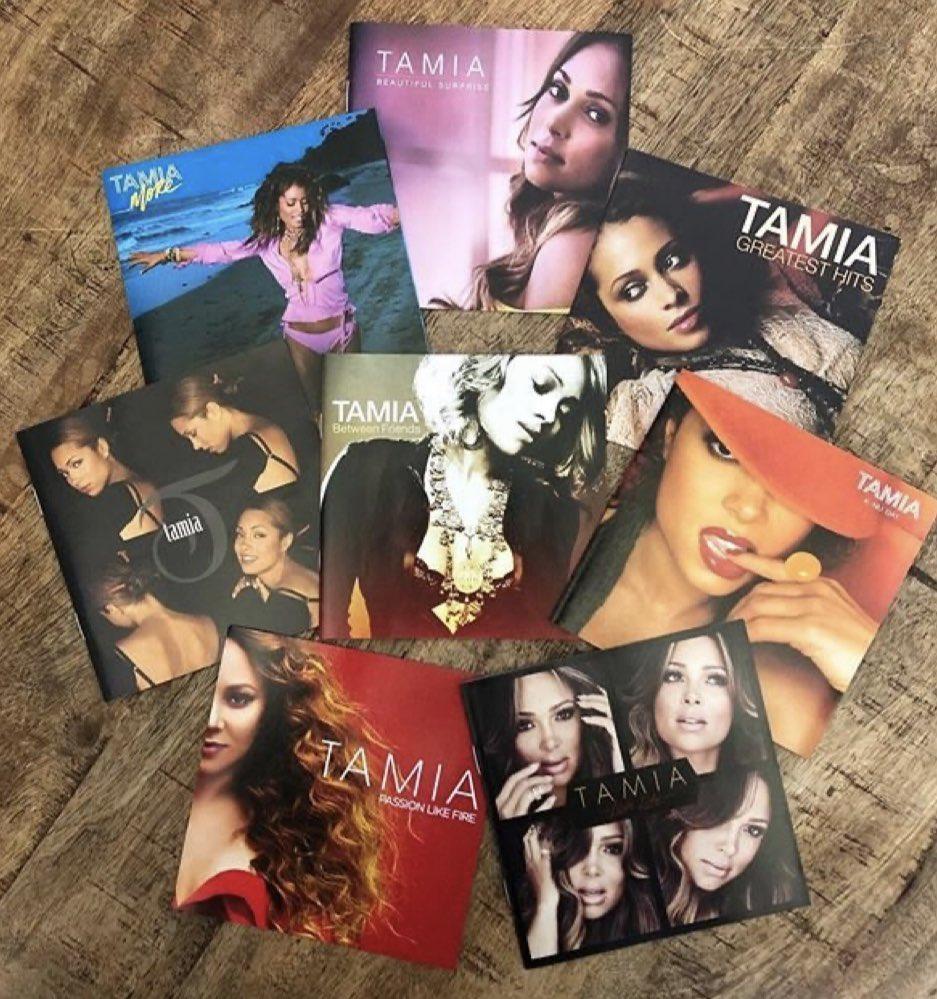 25 years. 8 albums. 0 throat surgeries. ❤️🙌🏽 https://t.co/FIYrrkJIyT