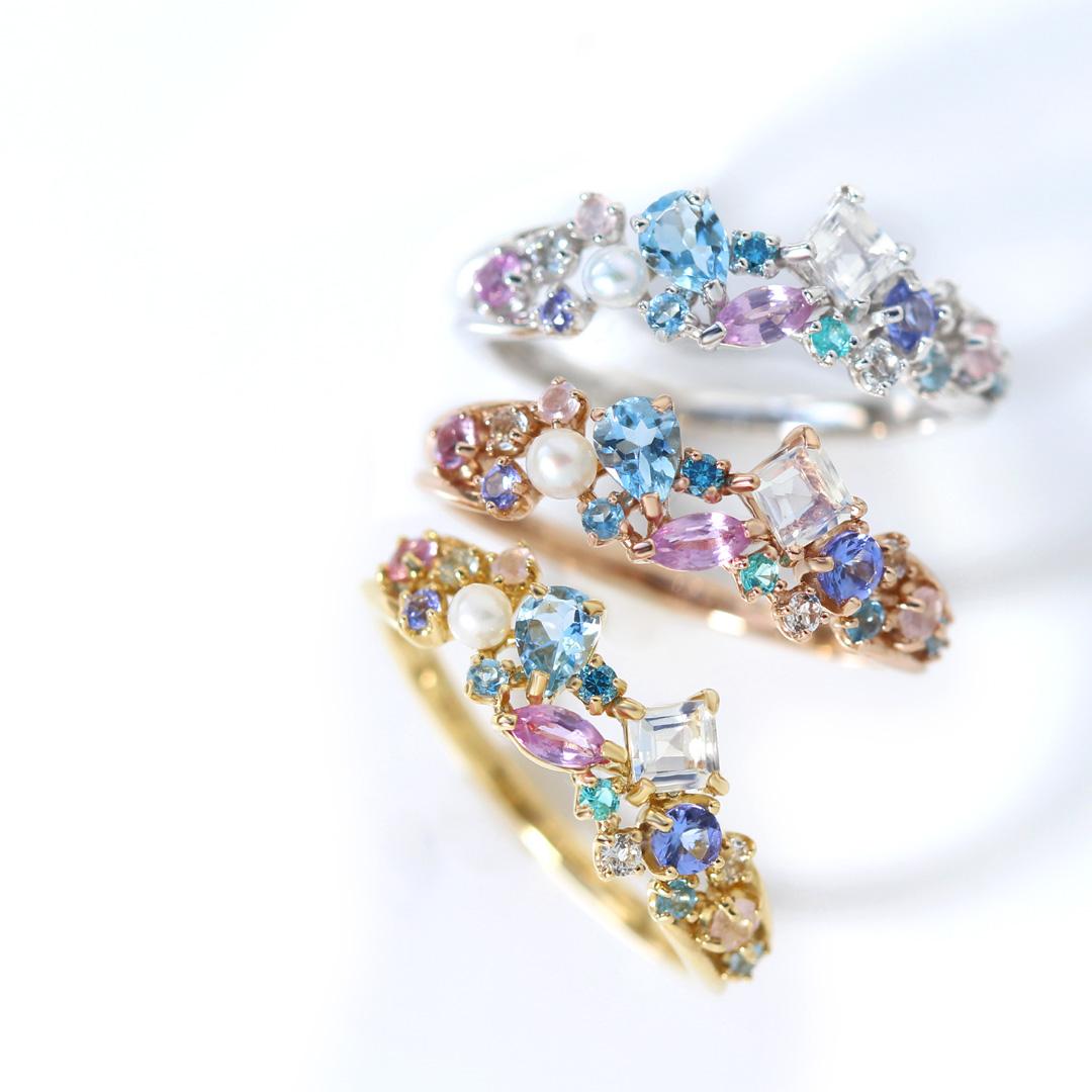 17石、5つのシェイプで彩る「雪月夜の宝石箱」。地球上に散らばる多彩な宝石たちから雪月夜の柔らかい色合いを集めて、見たことのない「宝石箱」を作りました。まるで、「宝石箱」をのぞいた時のようなドキドキするほどの美しさをぜひご堪能ください。