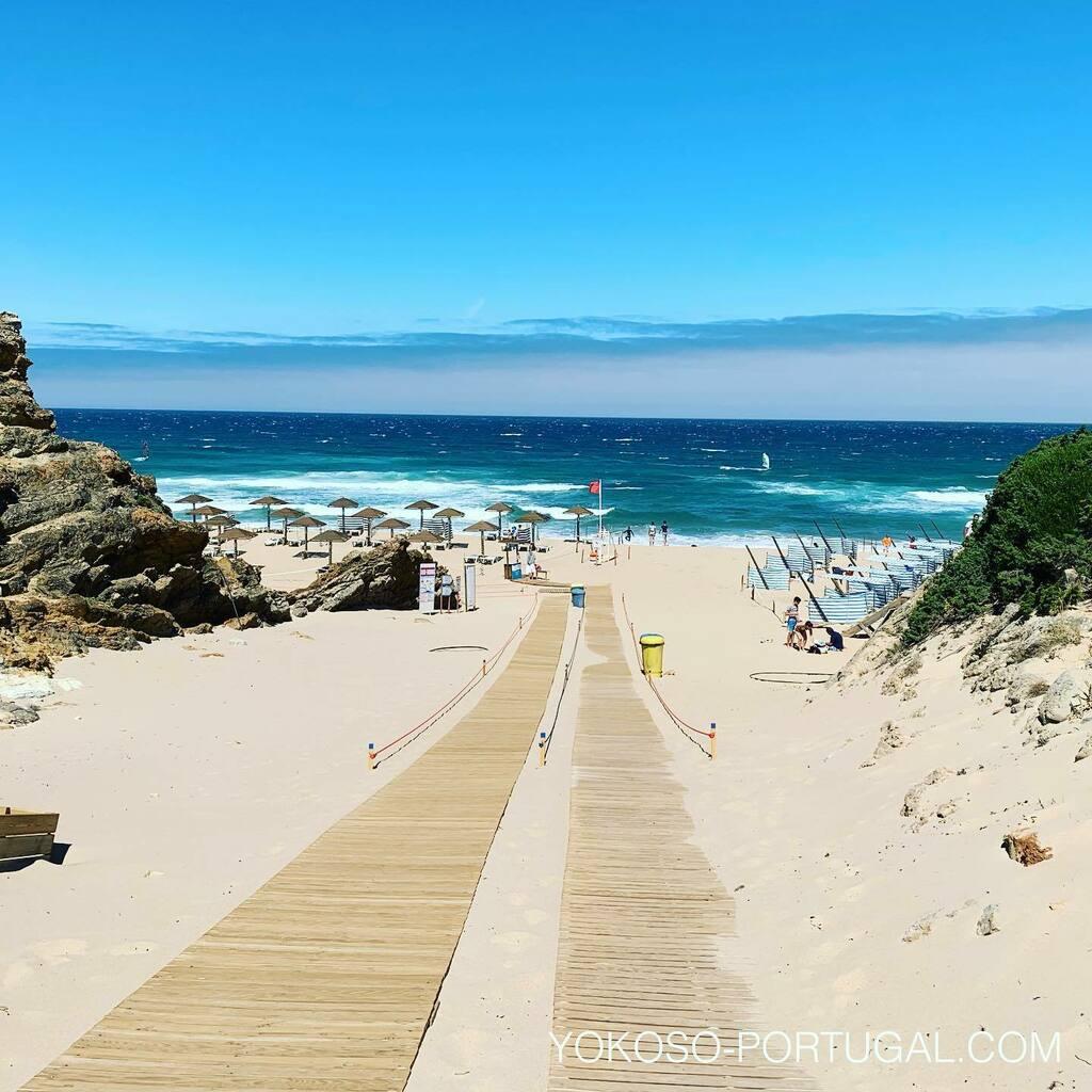 test ツイッターメディア - ポルトガルは海水浴のシーズンです。ソーシャルディスタンスを保って楽しめます。 #ポルトガル #ビーチ https://t.co/i2frO7aaC4