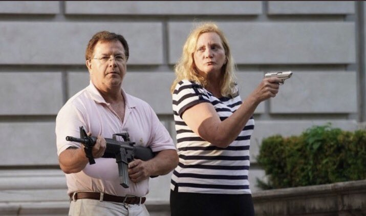 Quit telling her she can't take her gun and mini husband (also with gun ) into a JC Penny's for the big summer slacks sale  #CalmAKarenDown <br>http://pic.twitter.com/eUNrTpsmlH