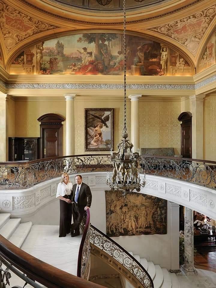 #CalmAKarenDown the foyer <br>http://pic.twitter.com/bSeL2n6pPl