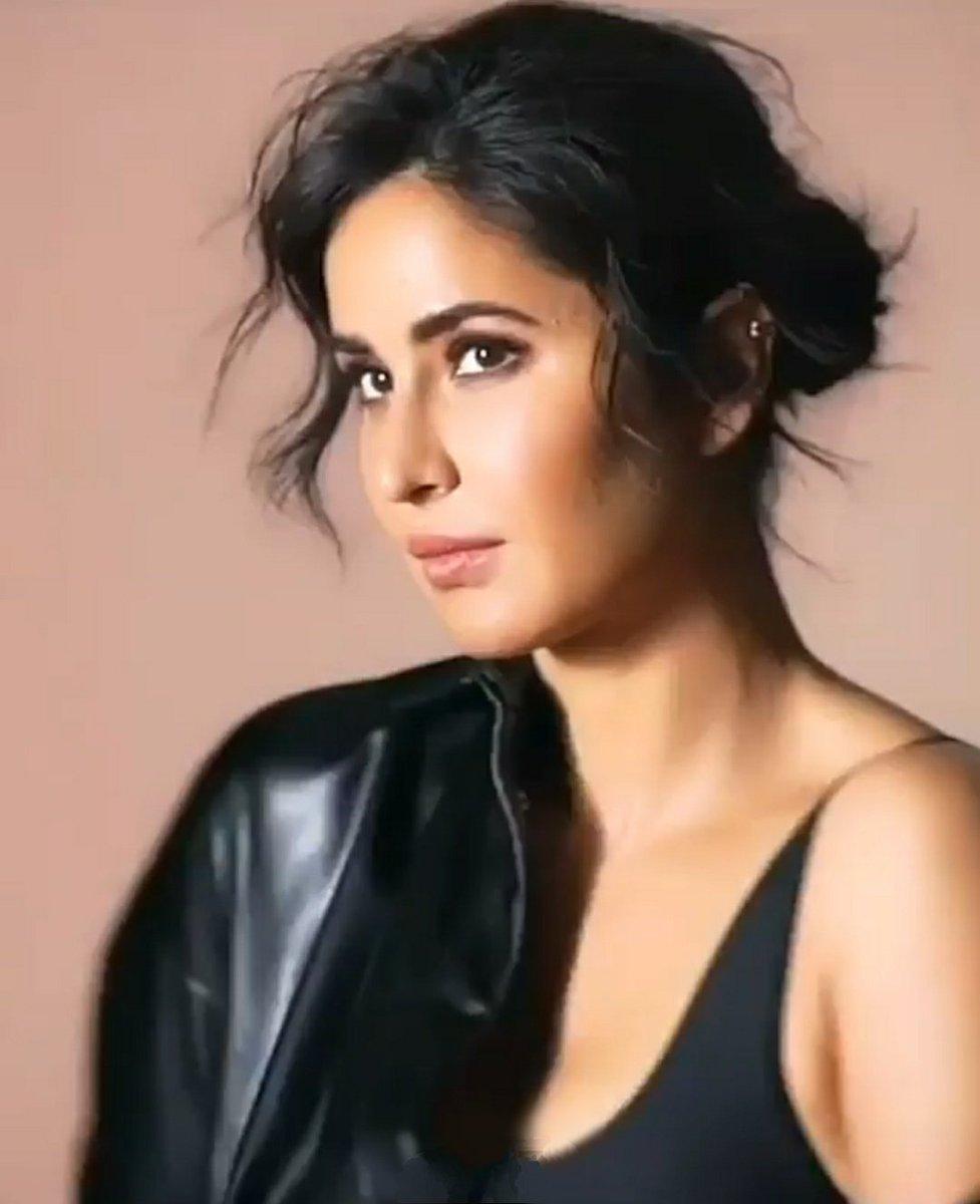 #BeautifulActress #BollywoodActress #KatrinaKaifpic.twitter.com/tXyfmjRkNb