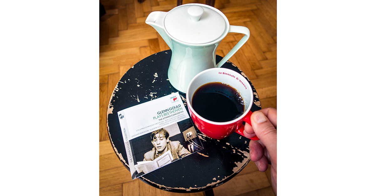 """Morning #coffee & #music in #Vienna: School's off in a couple of days but there will, unfortunately, be no trip to Italy and no trip to Paris this year. So I have to get by with my extended morning rituals. (By the way, the coffee pot is an Austrian post-war """"Lilienporzellan."""") pic.twitter.com/kDC24WTPS5"""