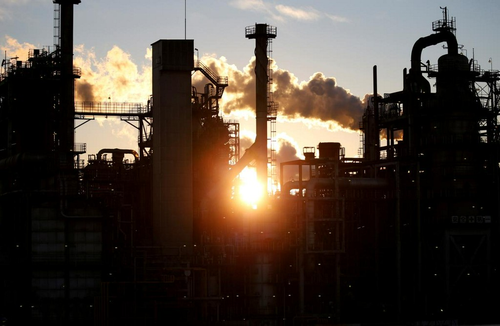 Japan factory output slumps as economy sinks deeper in recession https://t.co/kfGdwDCx2q https://t.co/PPDjXa9RKz