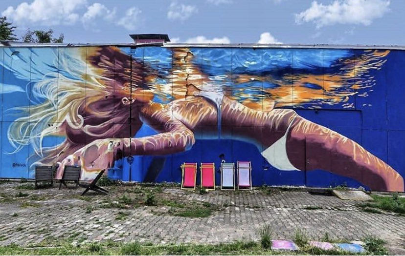 """Summer Solstice""  #StreetArt by Amanda Arrou-tea In #Berlin #Germany pic.twitter.com/nDiKUJtNu4"