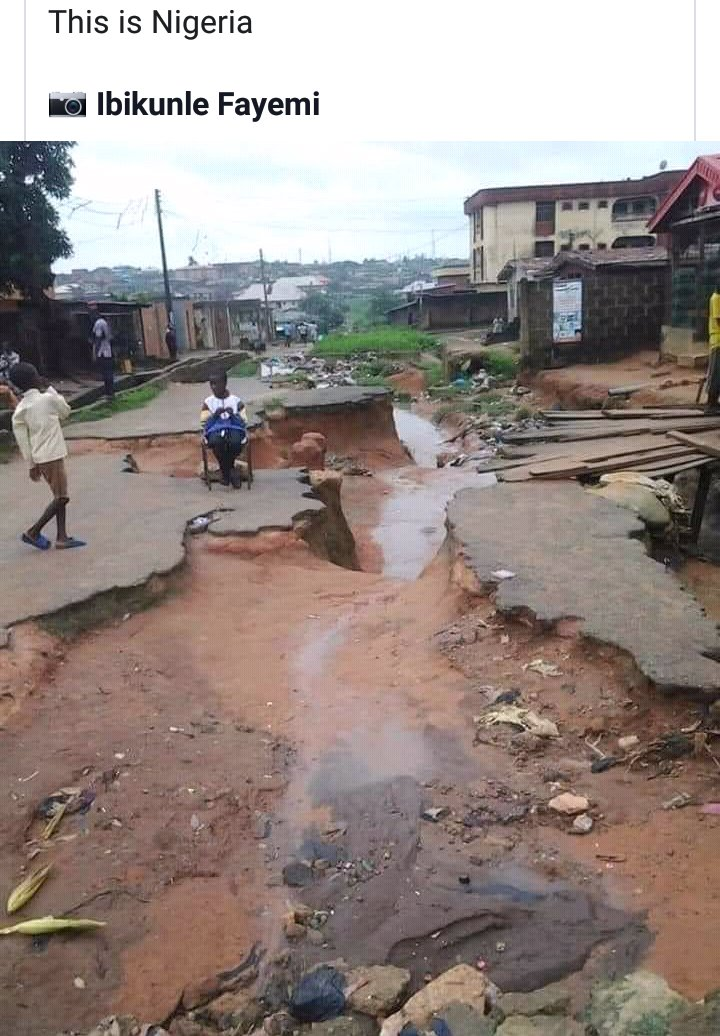 This is a place Nigeria( Anonymous) Yet U said we have Government Same #Road & 💡 they use as manifesto Who did this to #Nigeria 🐹 Its not a crime if Nigerians experience #GoodGovernance 💧 💡 🏡 @FS_Yusuf_ @NatashaOfLagos @realFFK @realFemiOtedola #NigeriaAt60