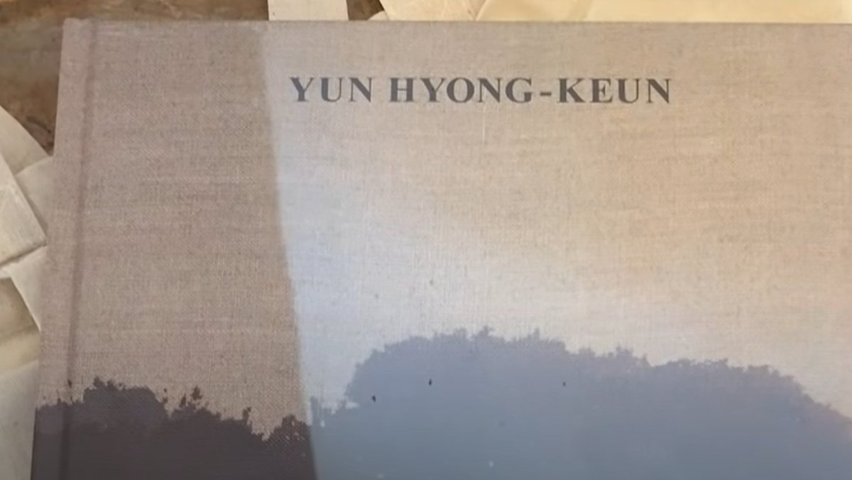 Namjoon actually visited the artist exhibition when it was held in Venice. He showed us a bit about it in his 191004 [VLOG] RM - 9-day-long Europe Travelogue. Credit: @BTSBOOK130613 He also purchased the book YUN HYONG-KEUN, A retrospective. More info. below!👇@bts_twt