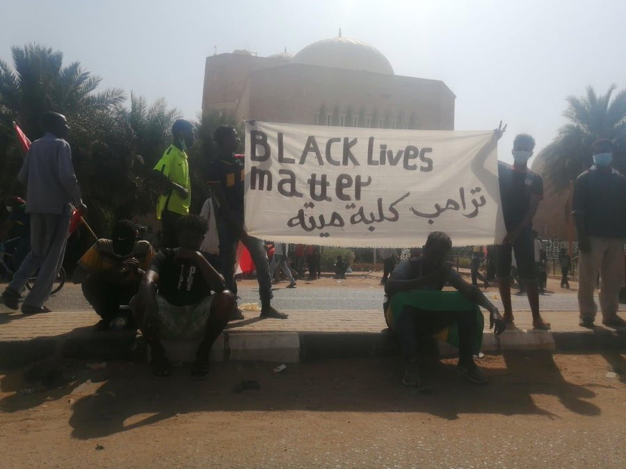 "On the one year mark of foiling the coup attempt by junta to seize power after #SudanMassacre and to reform our #civilian_led government, the streets of #Sudan are showing solidarity with #BlackLivesMatter  global movement, banner also says ""Trump is a dead dog   #مليونيه30يونيو<br>http://pic.twitter.com/GjGDwwWld6"