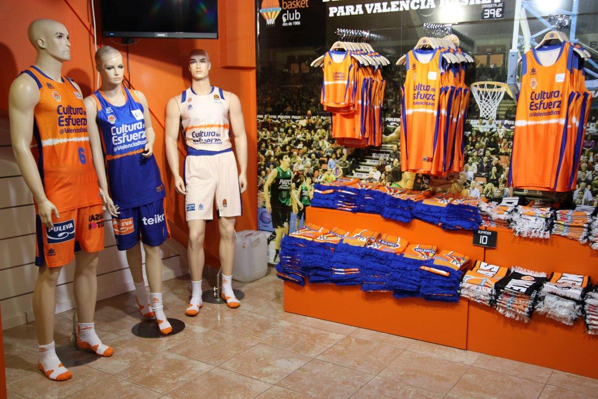 🛒🏢🍊 Desde mañana, volvemos a estar operativos  Cas 👉 Reapertura de las tiendas de Valencia Basket con descuentos del 50% en la ropa de esta temporada https://t.co/lEDH9fGIQL  Val 👉 https://t.co/zU5LfeB75K  Eng 👉 https://t.co/Nh1nUGlAGc  #EActíVate  🤝 Colabora @Luanvi https://t.co/Ocf6mg21t6
