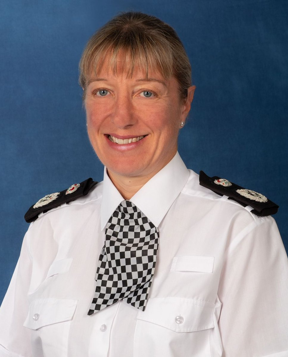 Jo Shiner has been confirmed as the next chief constable of @sussex_police She becomes the first ever woman to lead the force. https://t.co/xBy2SCAxkk