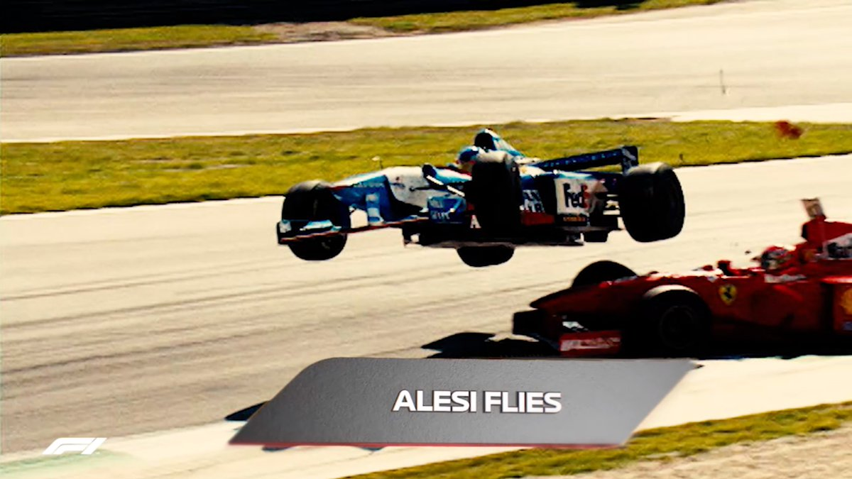 Flying cars, photo finishes, fiery pit stops and more 😮  #AustrianGP 🇦🇹 #F1 https://t.co/xfPVBubPfD