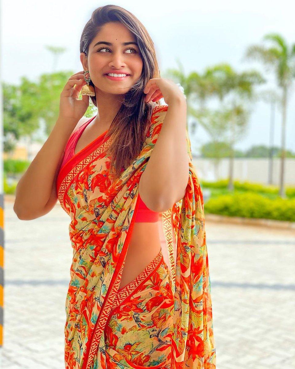 Orange'uuu Mittai    #tuesdayvibes #StaySafe #StayAlertpic.twitter.com/UVDe10Pkd8  by Shivani Narayanan