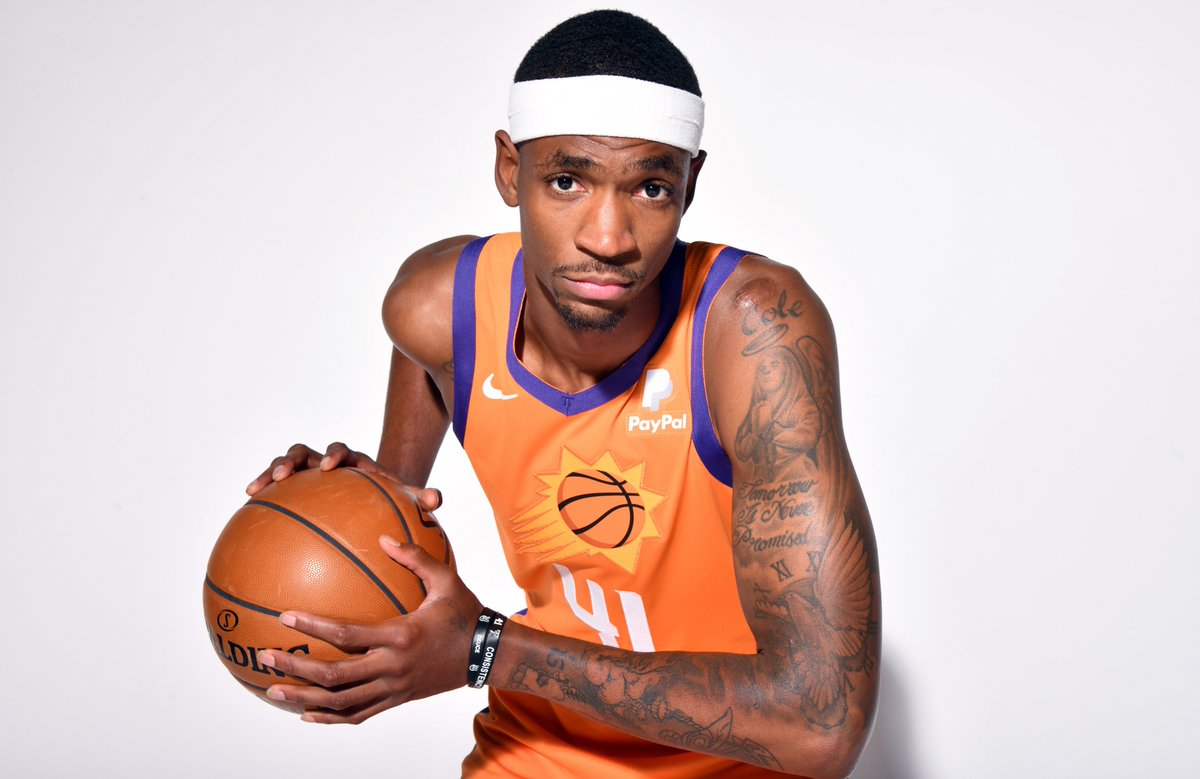 Join us in wishing Tariq Owens of the @Suns a HAPPY 25th BIRTHDAY!   #NBABDAY #RisePHX https://t.co/mTjBqYIW2Z