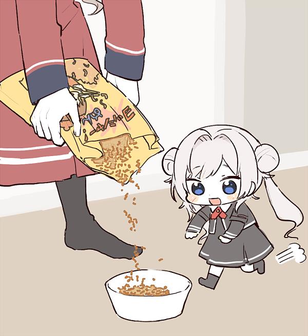 皿にヨッシャー麺盛られすぎてドン引きするミィちゃん