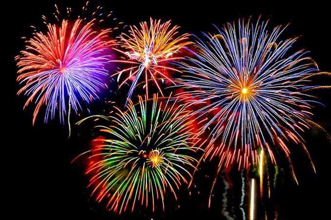 test ツイッターメディア - 【夏といえば…🤔】明日から7月になり、夏本番ですね🌻夏といえば花火🎆‼️打ち上げ花火も手持ち花火もどちらも綺麗ですよね✨しかし今年は多くの花火大会が中止に…行きたかったなぁ😭😭せめて画像で夏を感じましょう‼️ https://t.co/vfGolIZciC