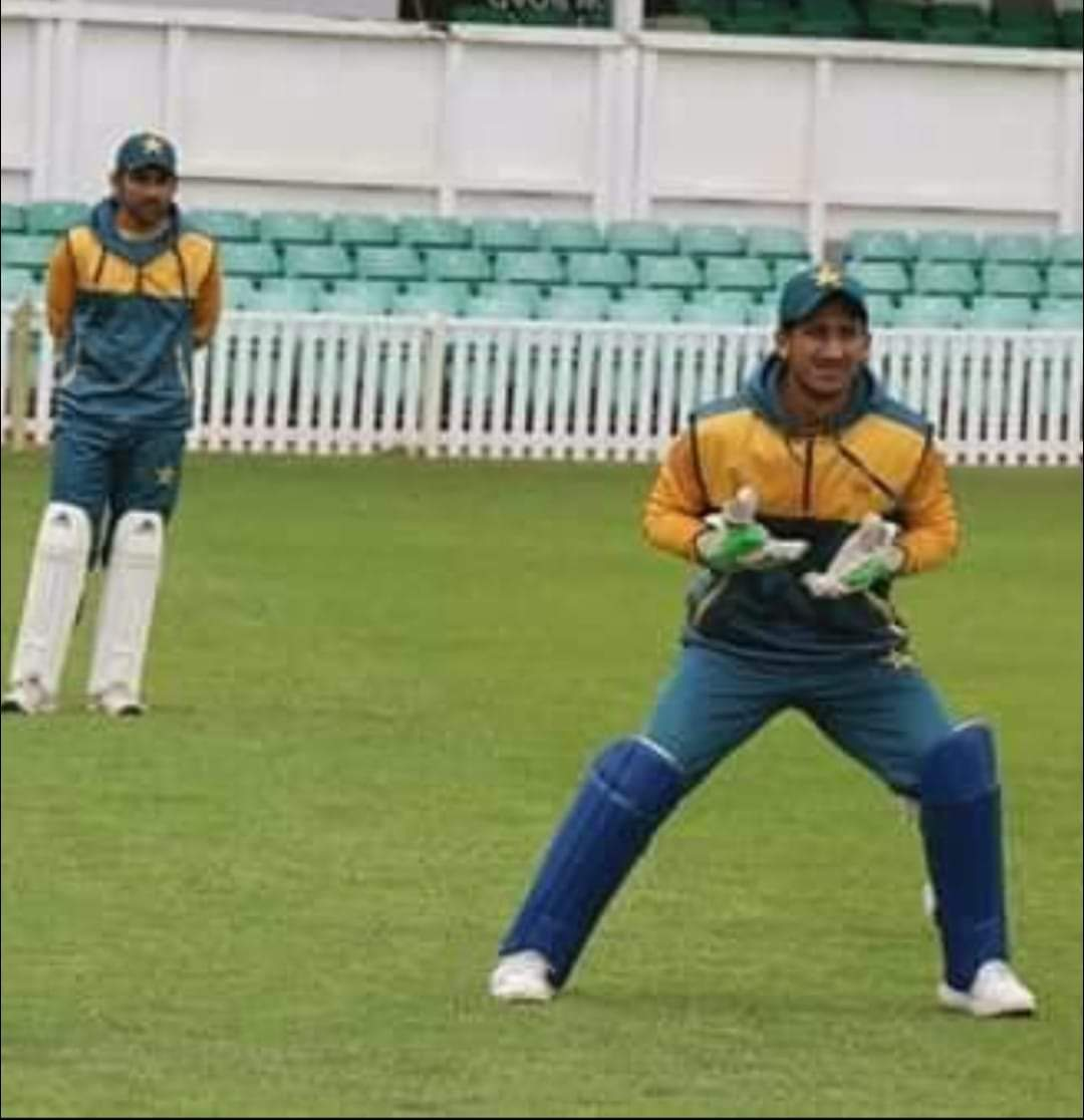 First practice session of wicket keepers  #RohailNazir and #SarfarazAhmed https://t.co/fMK0Ha7F25