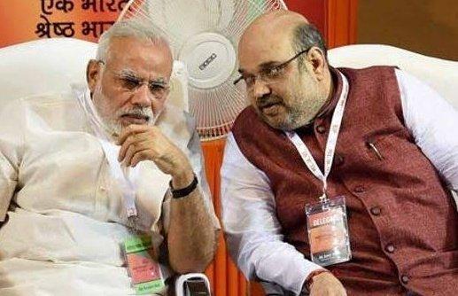 P1 #Shah : You missed #Eid     #Modi : Abhi last month to thi  #Shah : That was #EidAlFitr & next month it is #EidAlAdha             P2  #Modi : pic.twitter.com/PnNXVEUzAo