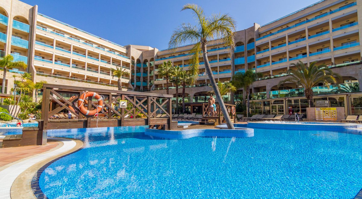 54% Discount at a 4 Star hotel in Tossa De Mar!   We have just found this incredible discount in Tossa De Mar, Spain. 7 days at the GOLDEN BAHÍA DE TOSSA & SPA.   Want to see more about it? Check it out here on our website  https://www.yourtravelideas.com/post/54-discount-at-a-4-star-hotel-in-tossa-de-mar… . . . #traveladdict pic.twitter.com/HcsGrdDka2