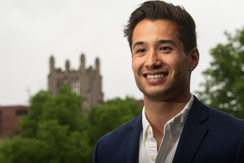While he and his classmates were finishing medical school @IowaMed earlier this spring, this Hawkeye put a pause on his residency plans to pursue an innovative business, which saw its numbers skyrocket due to COVID-19. https://t.co/DCwijmrri9 https://t.co/2puYhkIqI1