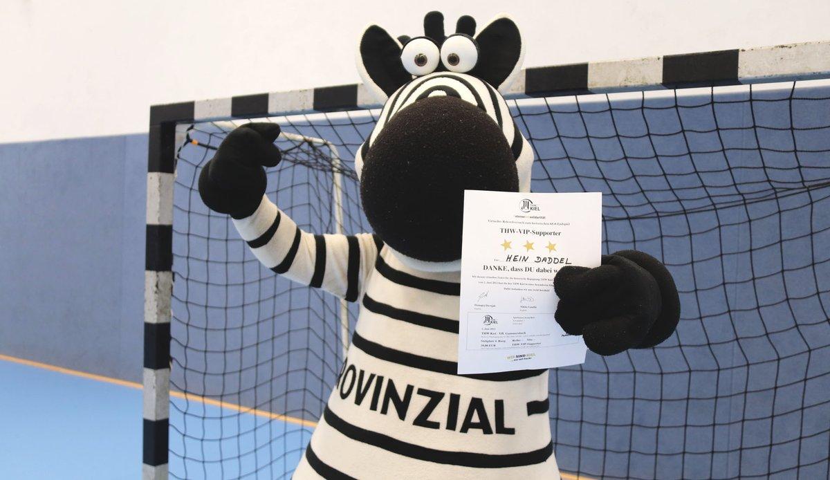 Letzte Chance für euer Soli-Ticket: Nur noch heute könnt ihr mit dem Kauf eines Tickets den Zebras helfen: https://t.co/DBLV2UPqg4 #WirSindKiel #SterneDerSolidarität  Super-Supporter: 9 Euro  Charity-Supporter: 19,04 Euro  VIP-Supporter: 39 Euro https://t.co/J5rNGIPpMy