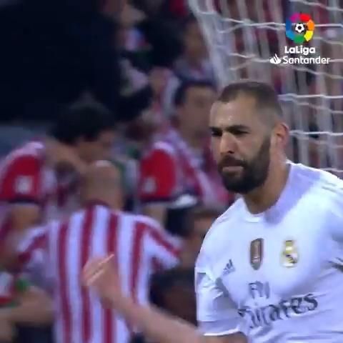😍 A @Benzema le gusta mucho San Mamés... #AthleticRealMadrid
