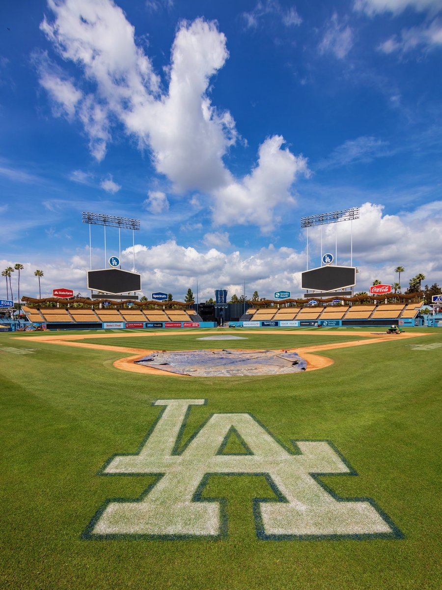 23 MORE DAYS! #Dodgers <br>http://pic.twitter.com/qGHcws87X7