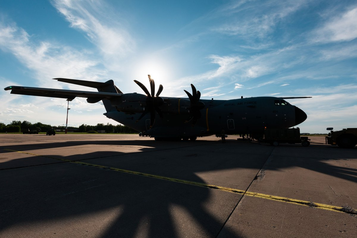 Images today from the deployed @RAFLossiemouth photog, capturing @AirbusDefence A400M ZM404 dropping into Siauliai Air Base with essential supplies for those deployed with 135 EAW, @DefenceOpsES, on Op Azotize, the UK's contribution to the @NATO Baltic Air Policing Mission🇱🇹 https://t.co/UpYSheOWYN