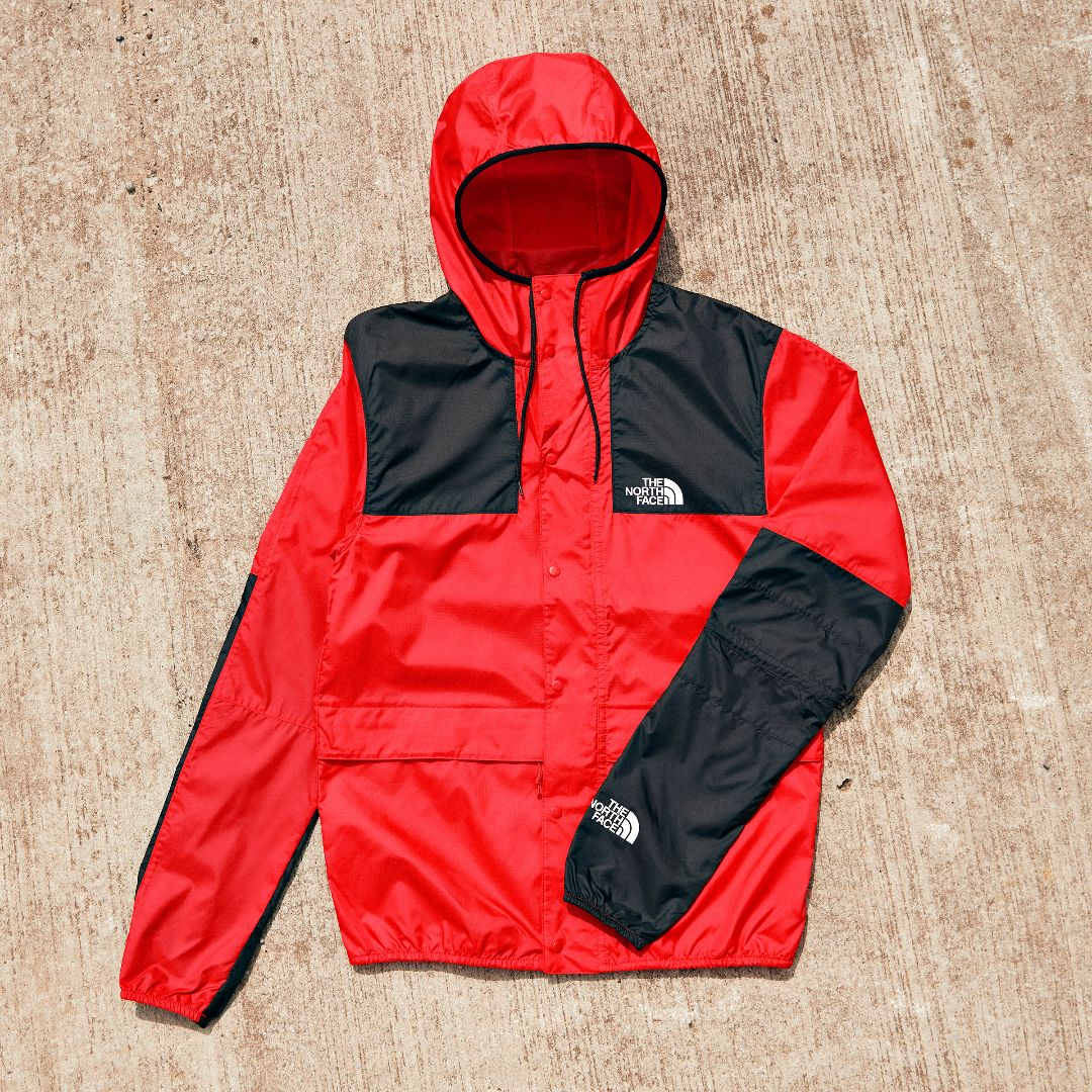 Rain rain go away 🌧  Don't let the weather get in your way with @thenorthface1985 Mountain Fly Jacket 📲 https://t.co/OlTN5JS1p0 https://t.co/ZzYy1W01cW
