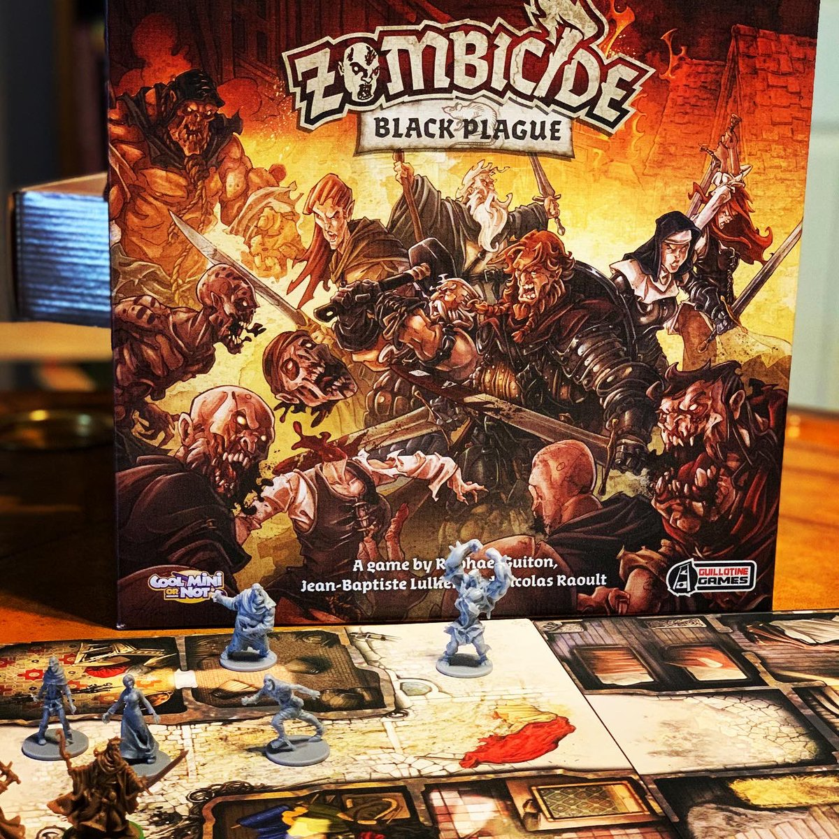 Zombicide Black Plague by @CMONGames is a zombie survival game with amazing minis and fun dice rolling combat. #lostgravitygames #boardgames #games #tabletopgames #gamenight #gaming #playmoregames #bgg #zombicide #zombicideblackplague #minis #cmon #zombie #survive https://t.co/KwrFtAwkRa