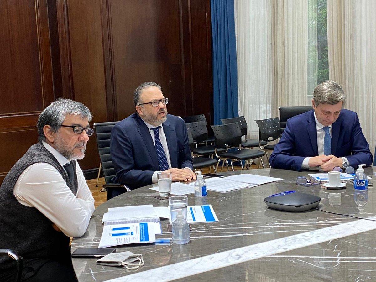 El Mercosur es un espacio de cooperación económica, tecnológica, social y cultural.   En reunión con referentes de producción y comercio, ratificamos la voluntad de fortalecer el bloque regional e impulsar una estrategia exportadora para la salida de la crisis del Covid-19. https://t.co/fSKYNv7EDy