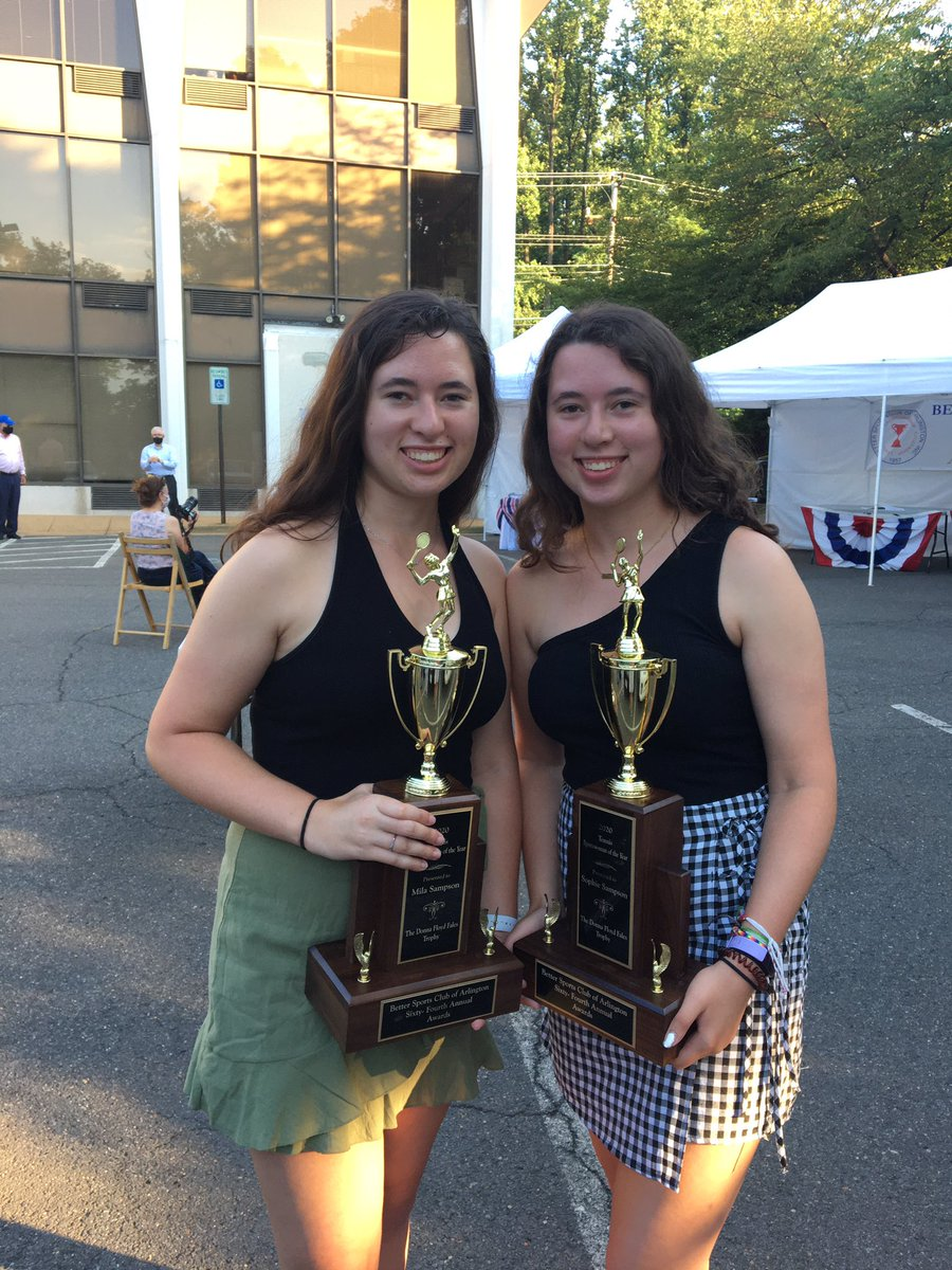 Congratulations to Mila & Sophie Sampson, tennis women of the year! <a target='_blank' href='http://twitter.com/yhssports'>@yhssports</a> <a target='_blank' href='https://t.co/B8porgr1iU'>https://t.co/B8porgr1iU</a>
