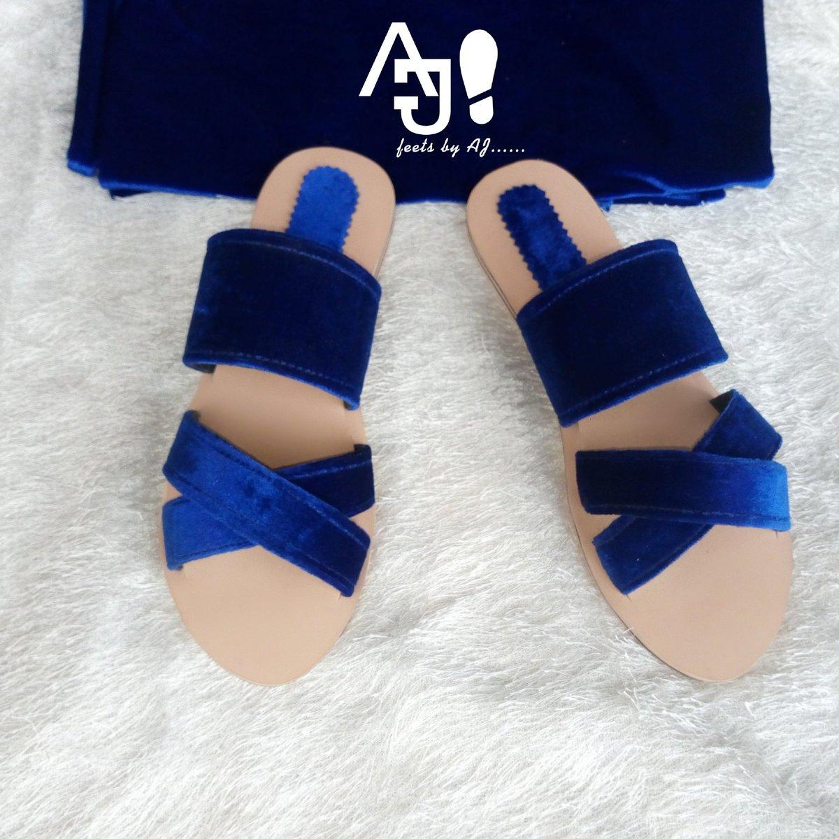 Ladies Blue velvet slippers can be made in any colour and size Dm for price #handmade #ladiesslippers #velvetpic.twitter.com/YUfqJBL9iG